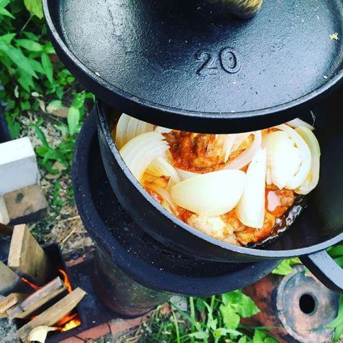 #タンドリーチキンを #ダッチオーブン で。#ロケットストーブ で作ると #楽しい