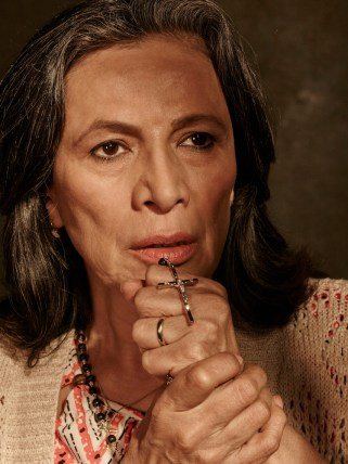 Patricia Reyes Spíndola as Griselda Salazar - Fear The Walking Dead _ Season 1, Gallery - Photo Credit: Frank Ockenfels 3/AMC