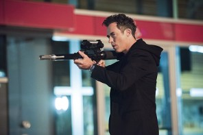 """The Flash -- """"Enter Zoom"""" -- Image FLA206A_0146b.jpg -- Pictured: Tom Cavanagh as Harrison Wells -- Photo: Dean Buscher/The CW -- © 2015 The CW Network, LLC. All rights reserved."""