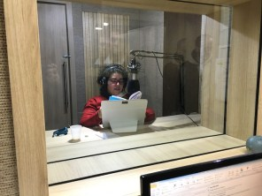 Estúdio de gravação de áudio livros - voluntária