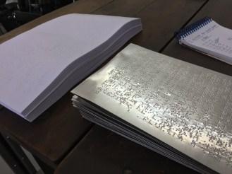 Chapa em Braille e impressos