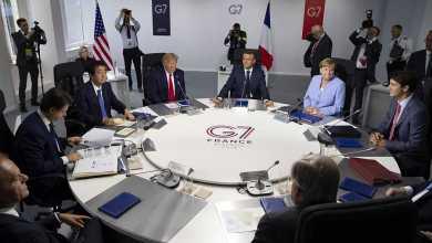 صورة ترامب يؤجل إجتماع قمة قادة مجموعة الدول السبع التي وصفها بأنها عفا عليها الزمن إلى سبتمبر