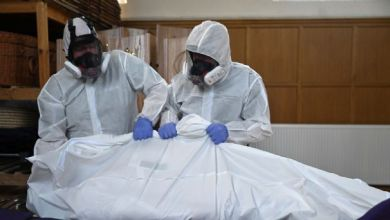 صورة المملكة المتحدة تجاوزت 35 ألف حالة وفاة بسبب جائحة فيروس كورونا بعد ارتفاع 545 حالة الوفيات اليوم