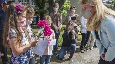 صورة المملكة المتحدة تتجاوز 39 ألف حالة وفاة بفيروس كورونا مع إعادة فتح المدارس !!