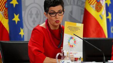 صورة وزيرة الخارجية الإسبانية تقدم  استراتيجية الاستجابة المشتركة للتعاون الإسباني مع كوفيد-19 في مجلس