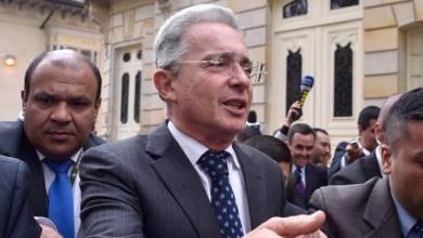 صورة أمرت المحكمة العليا الكولومبية بإقامة جبرية للرئيس السابق أوريبي