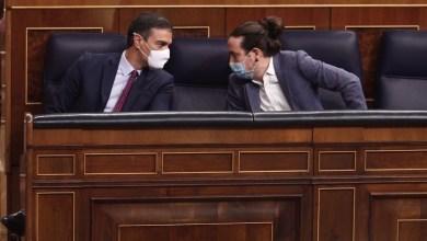 صورة الحكومة الاسبانية الائتلافية المكونه من الحزب الاشتراكي والشيوعي تعالج اقتراح قانون الحد من وظائف المجلس العام للسلطة القضائية عندما تنتهي صلاحياته