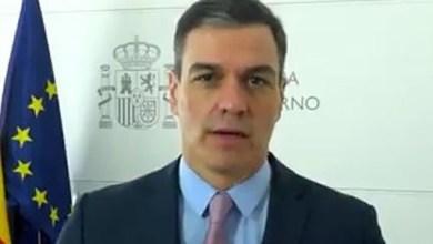 صورة رئيس الوزراء الإسباني في اجتماع بالفيديو رفيع المستوى وهو جزء من مبادرة حول هندسة أزمة الديون الدولية والسيولة