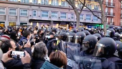 صورة احتجاجات لمغني الراب الكاتالوني هاسل في مدريد وكاتالونيا بعد شهر من سجنه