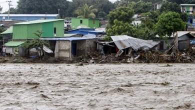 صورة على الأقل 95 قتيلا جراء الفيضانات والانهيارات الأرضية في إندونيسيا وتيمور الشرقية