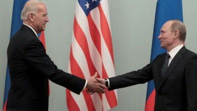 صورة أعلن رئيس الولايات المتحدة بايدن إنه أجرى محادثة صادقة ومحترمة مع بوتين وتصالح علي الطريقة الديمقراطية