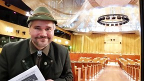 Zastupce ceske strelecke a myslivecke komunity-viceprezident LIGY LIBE Dr. Bohumil Straka 20190305_135344