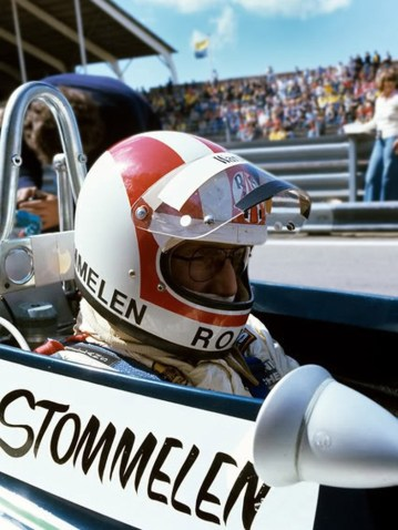 36 - Rolf Stomellen