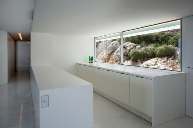 House on the Cliff - Fran Silvestre Arquitectos (21)