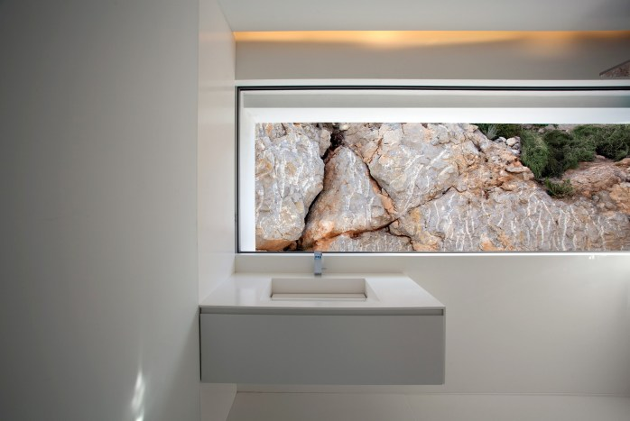 House on the Cliff - Fran Silvestre Arquitectos (27)
