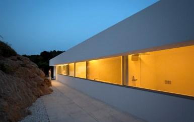 House on the Cliff - Fran Silvestre Arquitectos (29)