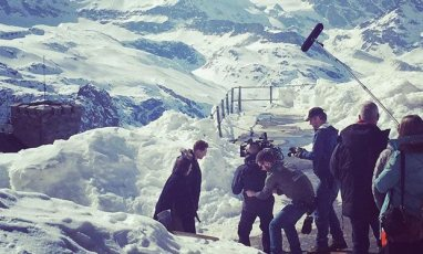 Tom_Hiddleston_and_Hugh_Laurie_scale_the_Matterhorn_for_The_Night_Manager