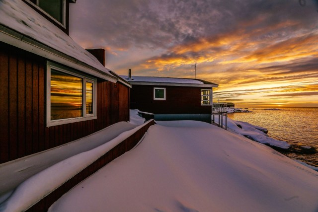 sunset-at-our-gust-house-paa-jannik