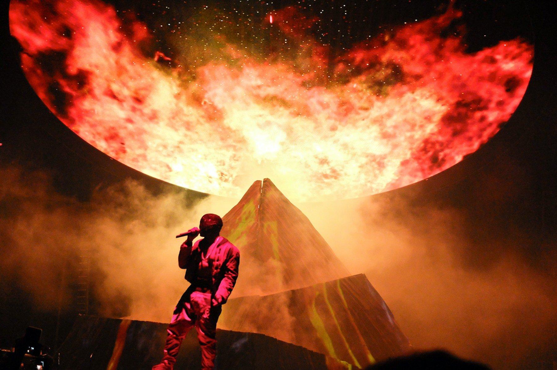 Kanye West // Yeezus Tour - Lightborne Communications Kanye West Yeezus Concert