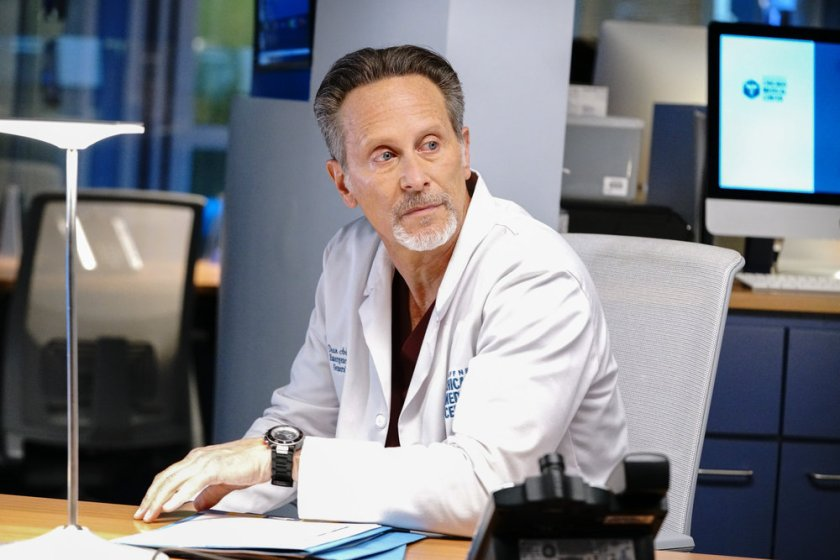 """CHICAGO MED -- """"What A Tangle Web We Weave"""" Episode 613 -- Pictured: Steven Weber as Dr. Dean Archer -- (Photo by: Elizabeth Sisson/NBC)"""