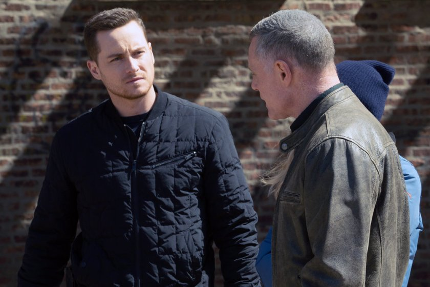 """CHICAGO P.D. -- """"Trouble Dolls"""" Episode 813 -- Pictured: (l-r) Jesse Lee Soffer as Jay Halstead, Jason Beghe as Hank Voight -- (Photo by: Lori Allen/NBC)"""
