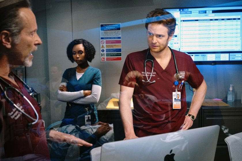 """CHICAGO MED -- """"I Will Come To Save You"""" Episode 616 -- Pictured: (l-r) Steven Weber as Dr. Dean Archer, Yaya DaCosta as April Sexton, Nick Gehlfuss as Dr. Will Halstead -- (Photo by: Elizabeth Sisson/NBC)"""