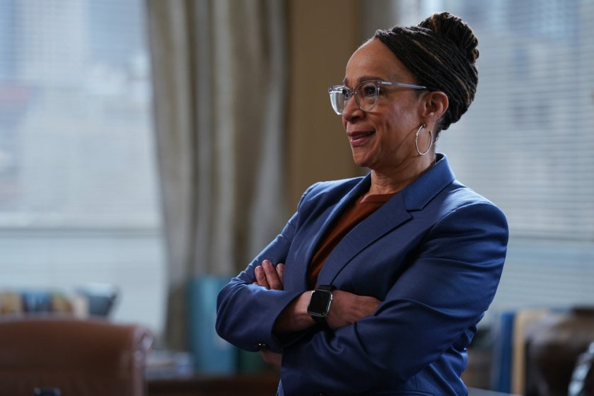 """CHICAGO MED -- """"I Will Come To Save You"""" Episode 616 -- Pictured: S. Epatha Merkerson as Sharon Goodwin -- (Photo by: Elizabeth Sisson/NBC)"""