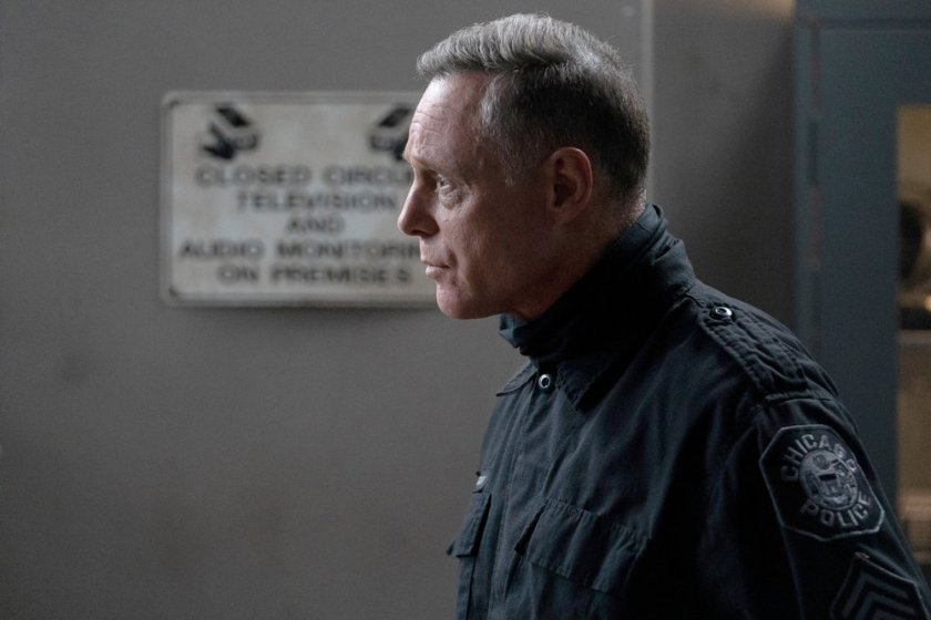 """CHICAGO P.D. -- """"The Other Side"""" Episode 816 -- Pictured: Jason Beghe as Hank Voight -- (Photo by: Lori Allen/NBC)"""