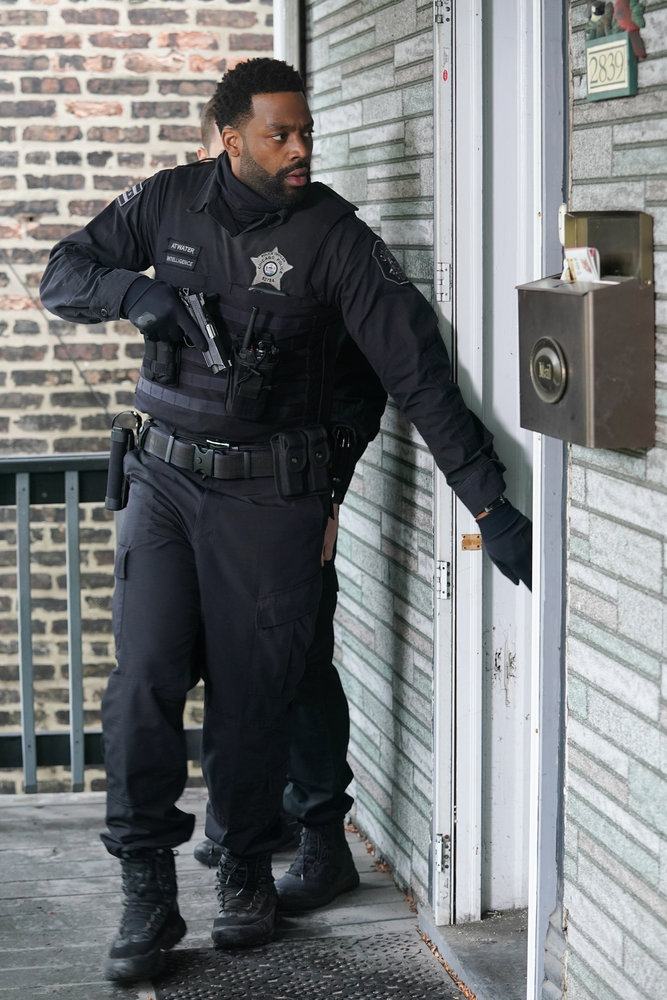 """CHICAGO P.D. -- """"The Other Side"""" Episode 816 -- Pictured: LaRoyce Hawkins as Kevin Atwater -- (Photo by: Lori Allen/NBC)"""