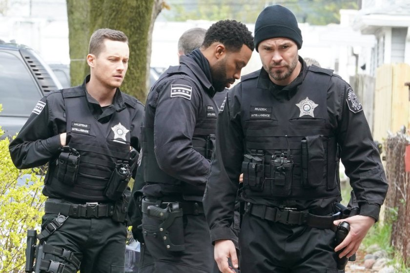 """CHICAGO P.D. -- """"The Other Side"""" Episode 816 -- Pictured: (l-r) Jesse Lee Soffer as Jay Halstead, LaRoyce Hawkins as Kevin Atwater, Patrick John Flueger as Adam Ruzek -- (Photo by: Lori Allen/NBC)"""