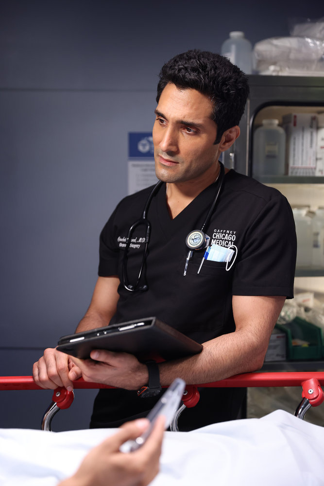 """CHICAGO MED -- """"Status Quo, aka The Mess We're In"""" Episode 704 -- Pictured: Dominic Rains as Crockett Marcel -- (Photo by: George Burns Jr/NBC)"""