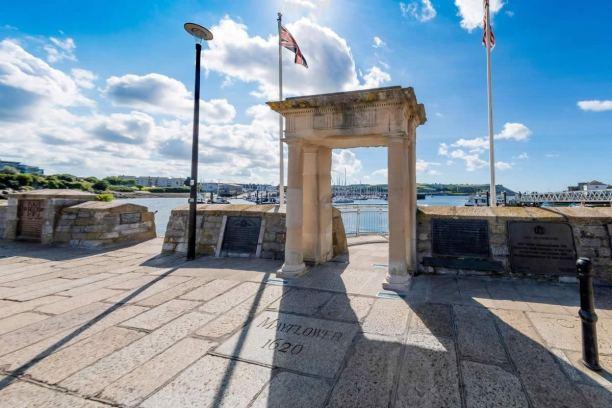 Mayflower Steps memorial, Plymouth