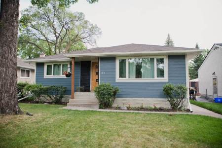 Winnipeg bungalow with new siding