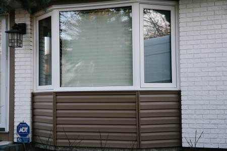 Winnipeg home with vinyl siding