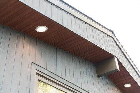 Soffit with pot lights