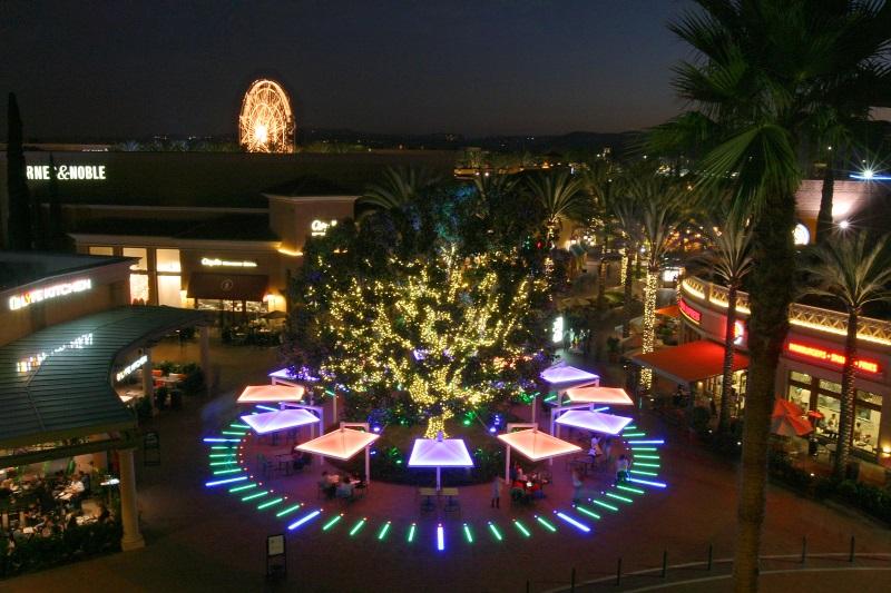 The Clock at The Irvine Spectrum Center Wins 2016 IES Lighting Control Innovation Award