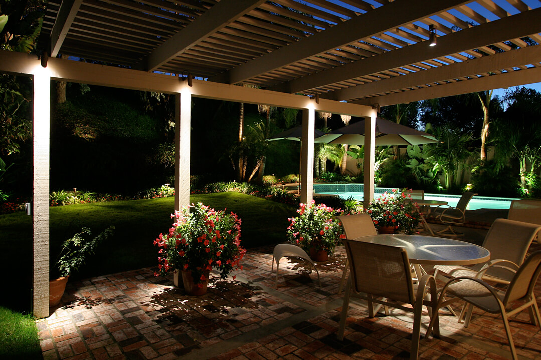 Lovely Outdoor Living Lighting