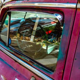 Old American car window reflection 2