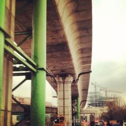 رسما سرويس شديم تا اين پل در بياد : 