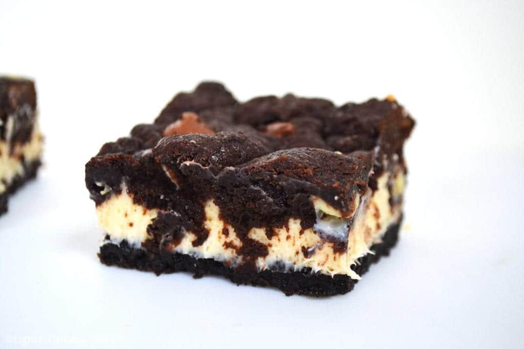 Chocolate Cookie Cheesecake Bars
