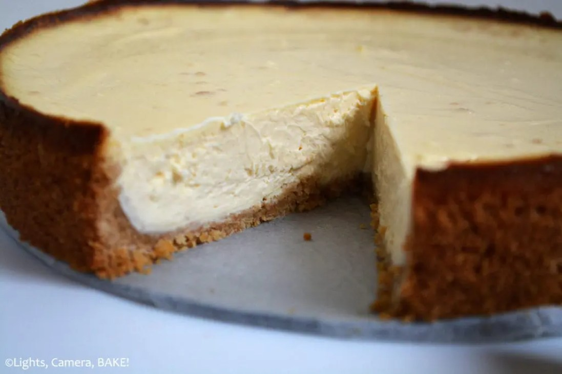 Perfect Vanilla Cheesecake is a soft, fluffy, smooth, creamy, melt-in-the-mouth baked vanilla cheesecake on top of a crushed digestive (graham cracker) base! #perfectvanillacheesecake #vanillacheesecake #bakednewyorkcheesecake