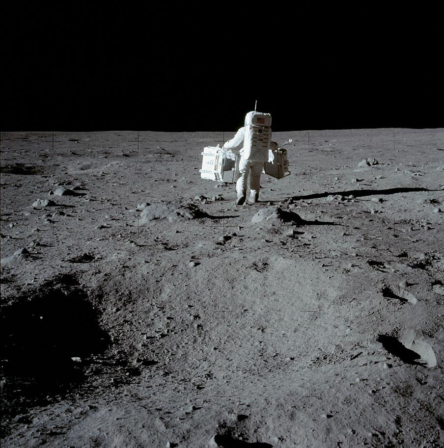 Aldrin carrying equipment