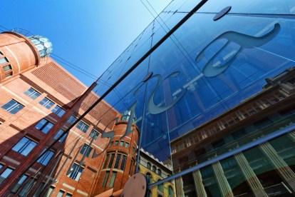 Musica - Glass Facade