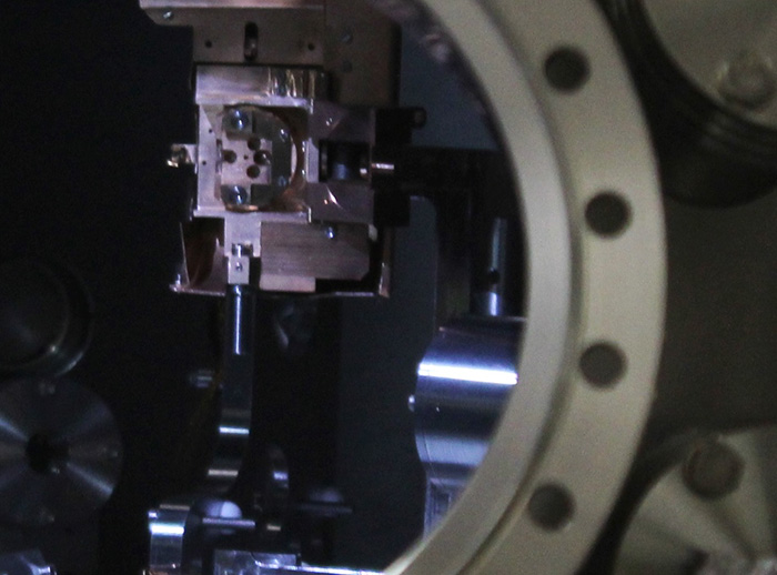 Bespoke beamline engineering: the Diamond Sample Manipulator