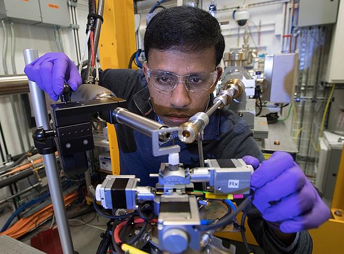 Lab Resolves Origin of Perovskite Instability