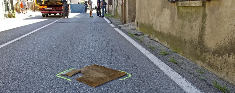 Olgiate travolto fuori casa Un semaforo per quella strada  Olgiate e bassa comasca Faloppio