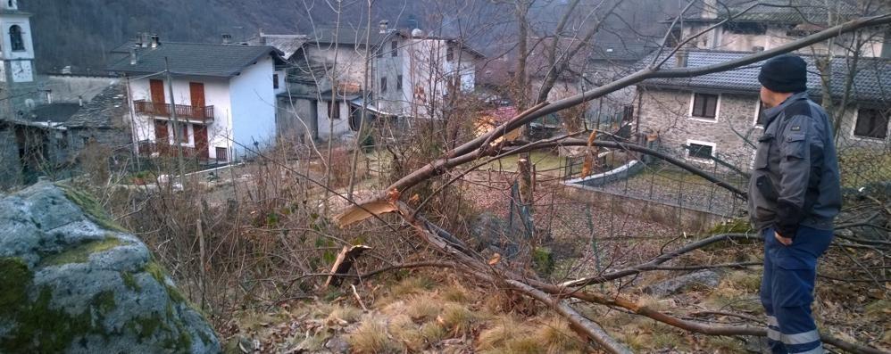 Frana instabile, scuole chiuse da lunedì