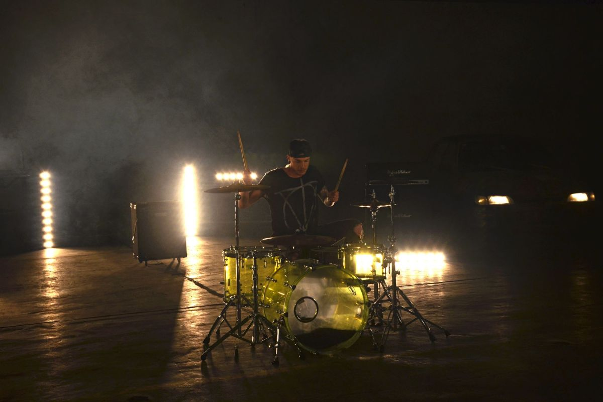 Light Up The Town in the dark , musikvideo