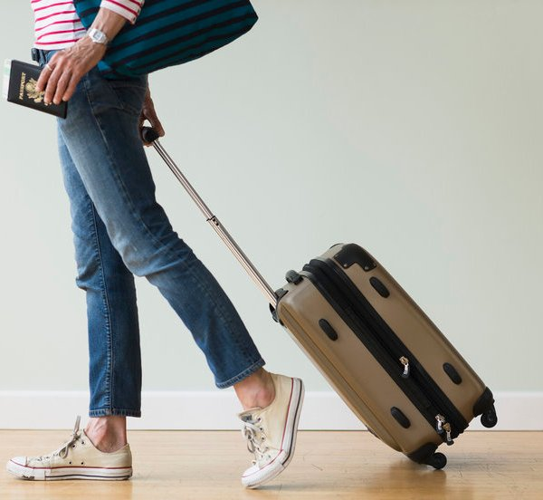 Best Luggage for International Travel: Lightweight Suitcases