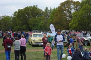 1a-Classic cars are popular